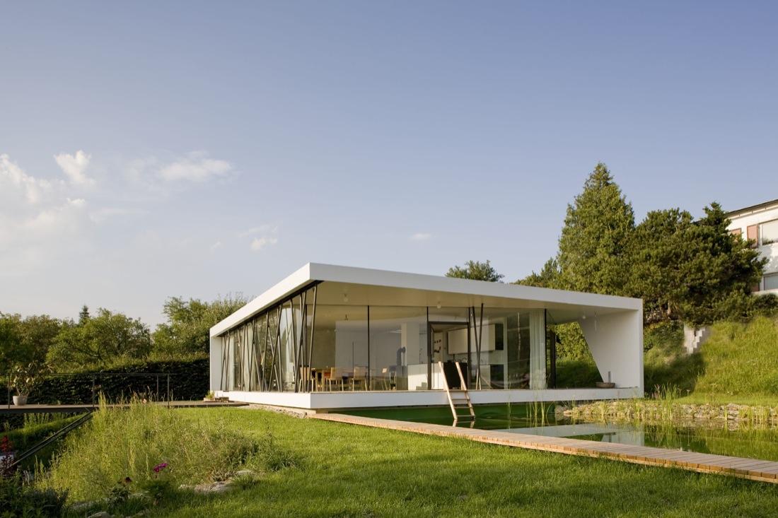 نمای ساختمان مسکونی 2طبقه شیشه ای